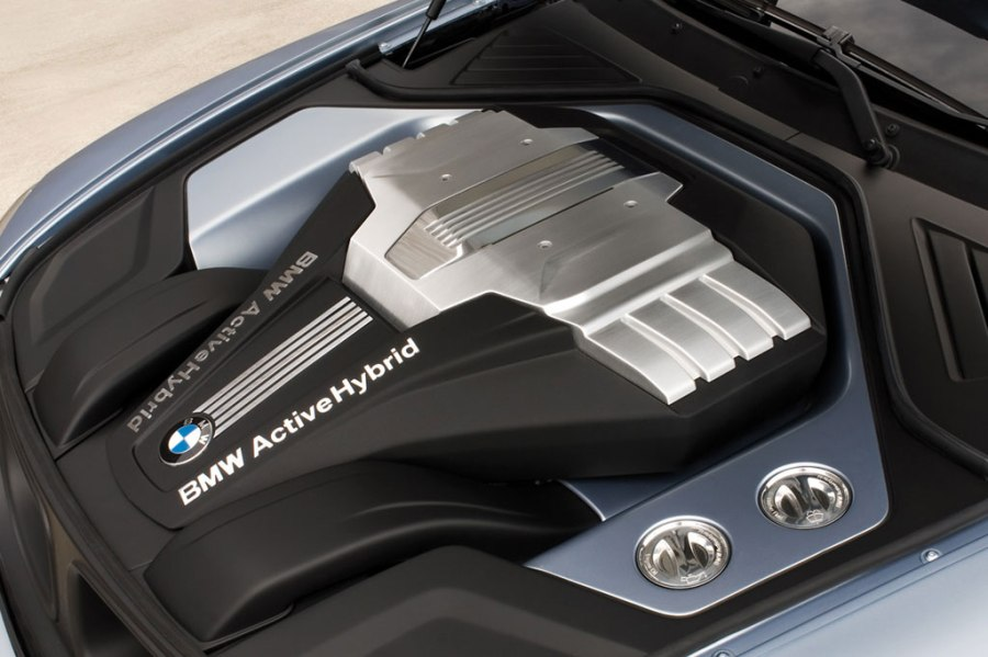 bmw_hybrid_engine_photos